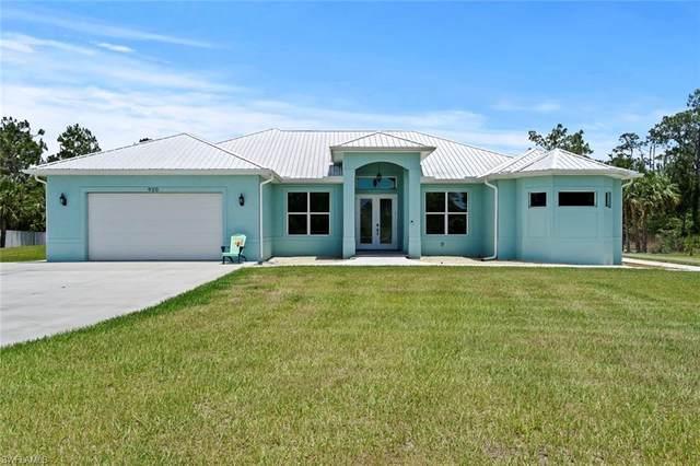 920 Wilson Boulevard N, Naples, FL 34120 (MLS #220029776) :: Kris Asquith's Diamond Coastal Group