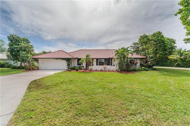 2433 Kings Lake Boulevard, Naples, FL 34112 (MLS #220061958) :: The Naples Beach And Homes Team/MVP Realty