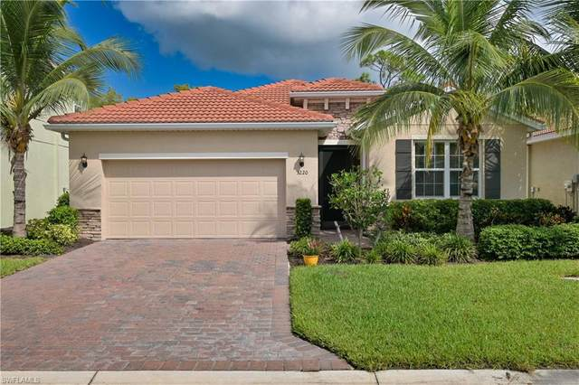 3220 Royal Gardens Avenue, Fort Myers, FL 33916 (MLS #220062167) :: Kris Asquith's Diamond Coastal Group