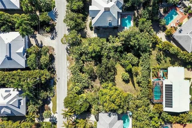 575 Sea Oats Drive, Sanibel, FL 33957 (MLS #220072817) :: Domain Realty