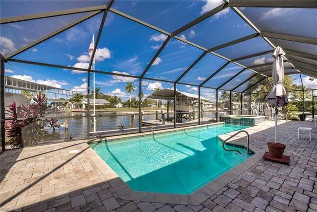 15 Fairview Boulevard, Fort Myers Beach, FL 33931 (MLS #220075903) :: Uptown Property Services
