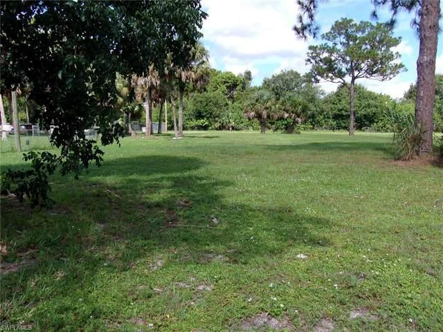 8018 Grady Drive, North Fort Myers, FL 33917 (MLS #221056136) :: Team Swanbeck