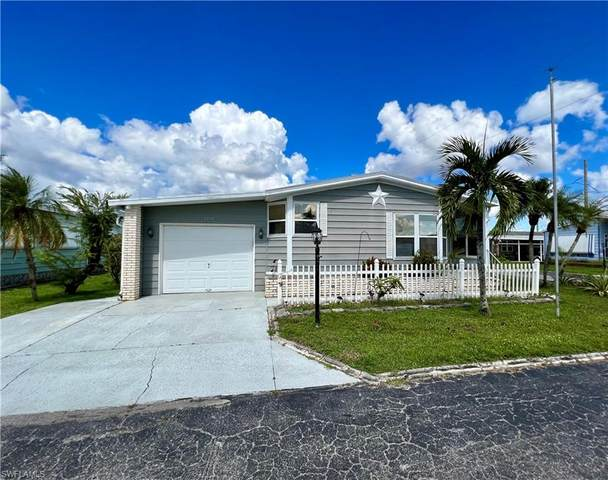 9258 Desoto Drive, North Fort Myers, FL 33903 (MLS #221065513) :: The Naples Beach And Homes Team/MVP Realty