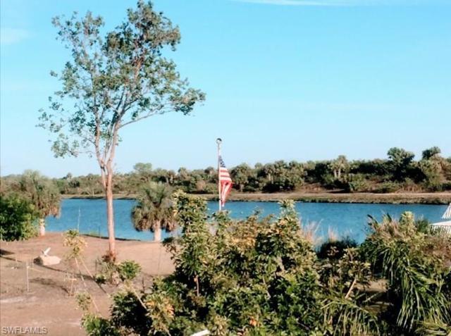 1381 Riverview Dr, Moore Haven, FL 33471 (MLS #218052300) :: Clausen Properties, Inc.