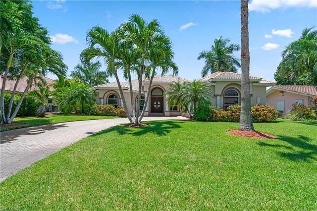 398 Snow Drive, Fort Myers, FL 33919 (MLS #220049822) :: RE/MAX Realty Team