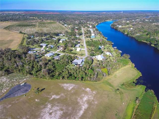 2528 Caloosa Shores Drive, Labelle, FL 33935 (MLS #221000643) :: Wentworth Realty Group