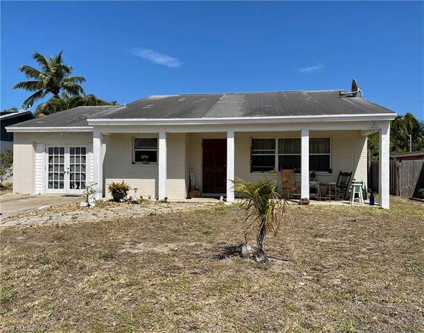 195 Hibiscus Drive, Fort Myers Beach, FL 33931 (MLS #221026174) :: #1 Real Estate Services
