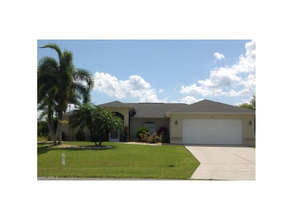 311 NE 17th Pl, Cape Coral, FL 33909 (#216040359) :: Homes and Land Brokers, Inc