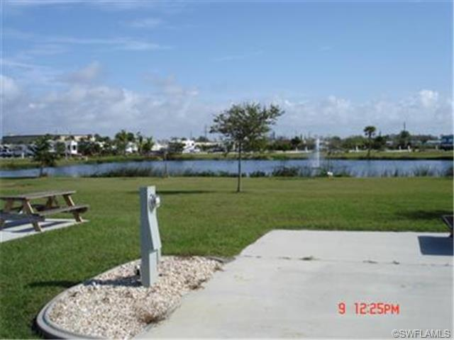 849 Gulf Waters Blvd, Fort Myers Beach, FL 33931 (MLS #201114271) :: The New Home Spot, Inc.