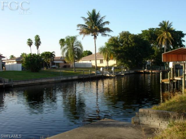 3716 SE 18th Ave, Cape Coral, FL 33904 (#201242461) :: Homes and Land Brokers, Inc