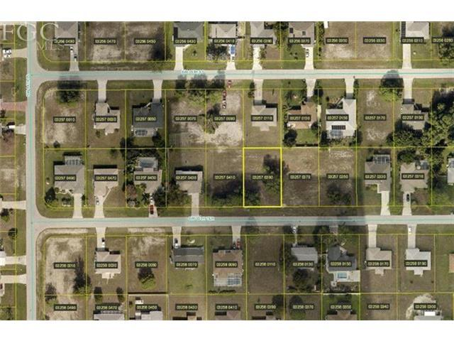 1303 SW 35th Ter, Cape Coral, FL 33914 (#201321727) :: Homes and Land Brokers, Inc