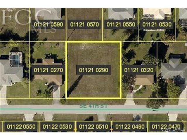 311 SE 4th St, Cape Coral, FL 33990 (#201343729) :: Homes and Land Brokers, Inc