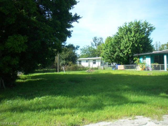 3324 Thomas St, Fort Myers, FL 33916 (MLS #214049659) :: The New Home Spot, Inc.