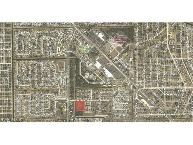 1311 Woodward Ct, Lehigh Acres, FL 33936 (#214057668) :: Homes and Land Brokers, Inc