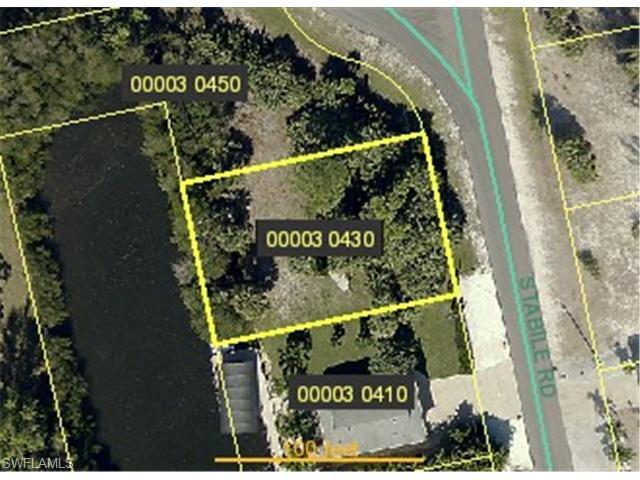 3901 Stabile Rd, St. James City, FL 33956 (MLS #215002226) :: Clausen Properties, Inc.