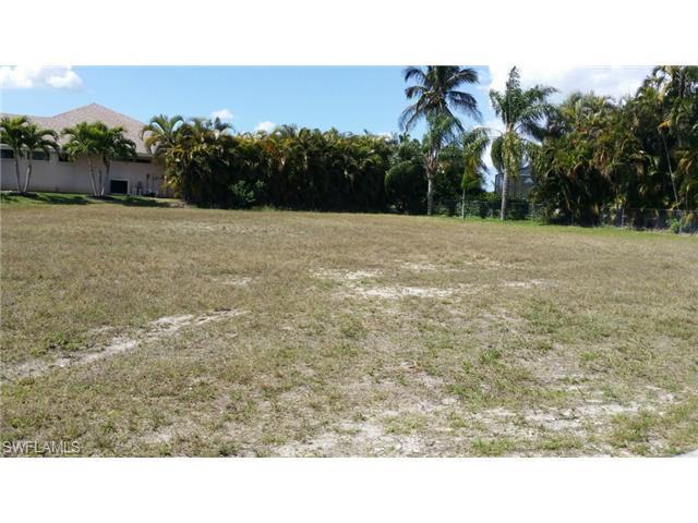 2201 El Dorado W, Cape Coral, FL 33914 (MLS #215016245) :: The New Home Spot, Inc.
