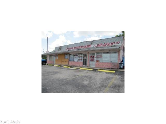 3340 Dr Martin Luther King Blvd, Fort Myers, FL 33916 (MLS #215026312) :: The New Home Spot, Inc.