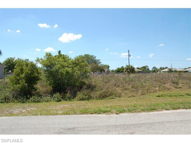 418 NW 5th Ter, Cape Coral, FL 33993 (#215030433) :: Homes and Land Brokers, Inc