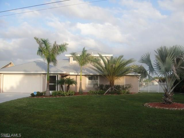 3109 SE 20th Pl, Cape Coral, FL 33904 (MLS #215030646) :: The New Home Spot, Inc.