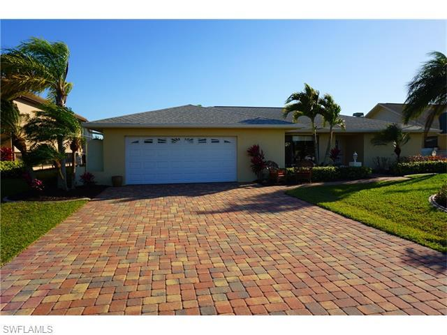 4324 NW 27th St, Cape Coral, FL 33993 (MLS #215031005) :: The New Home Spot, Inc.