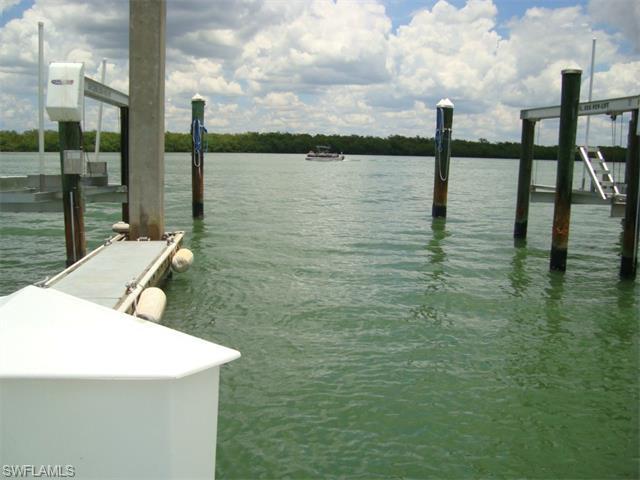 4199 Bay Beach Ln Dock#3A Ws #3, Fort Myers Beach, FL 33931 (MLS #215034532) :: The New Home Spot, Inc.