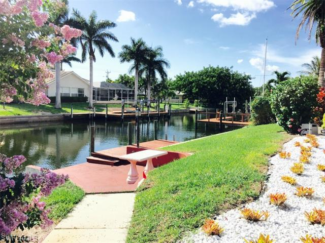 5146 SW 3rd Ave, Cape Coral, FL 33914 (MLS #215037891) :: The New Home Spot, Inc.
