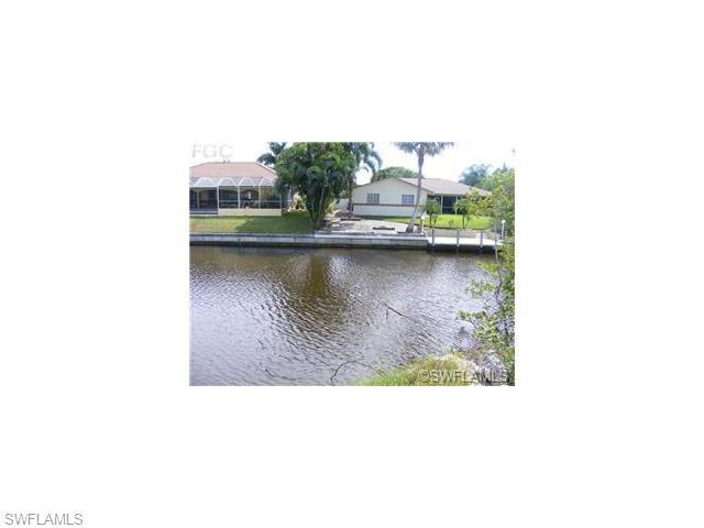 1508 Mohawk Pky, Cape Coral, FL 33914 (#215048796) :: Homes and Land Brokers, Inc