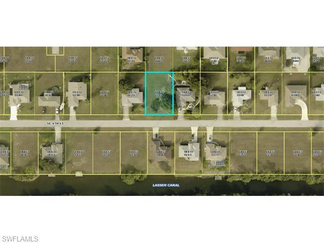 537 SE 4th St, Cape Coral, FL 33990 (#215053416) :: Homes and Land Brokers, Inc