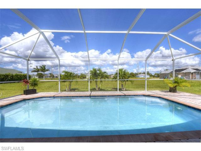2117 SW 26th St, Cape Coral, FL 33914 (MLS #215060592) :: The New Home Spot, Inc.