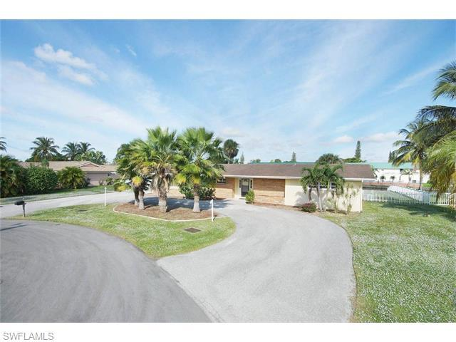 5207 Willow Ct, Cape Coral, FL 33904 (MLS #215069279) :: The New Home Spot, Inc.
