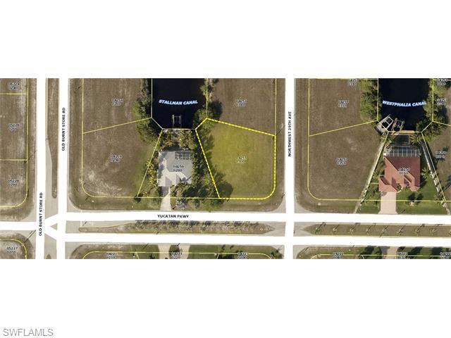 3901 Yucatan Pky, Cape Coral, FL 33993 (MLS #216000898) :: The New Home Spot, Inc.