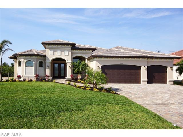 806 NW 37th Pl, Cape Coral, FL 33993 (#216003606) :: Homes and Land Brokers, Inc