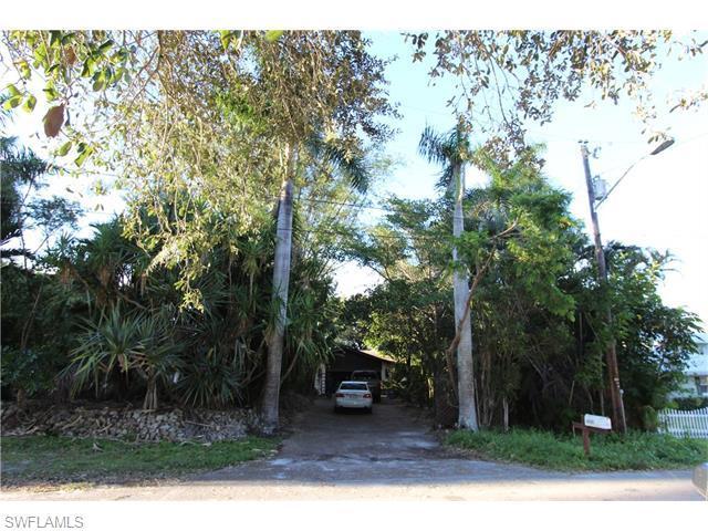 4305 Cypress Ln, Fort Myers, FL 33905 (MLS #216005345) :: The New Home Spot, Inc.