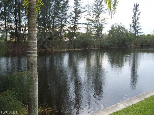 220 NE 9th St, Cape Coral, FL 33909 (MLS #216008226) :: The New Home Spot, Inc.