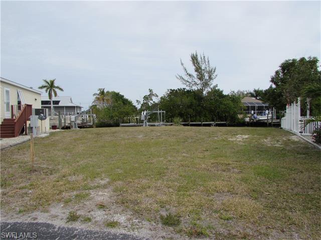 3130 Binnacle Ln, St. James City, FL 33956 (#216012263) :: Homes and Land Brokers, Inc