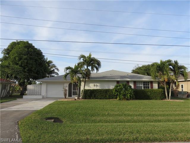 1453 Viking Ct, Cape Coral, FL 33904 (MLS #216012799) :: The New Home Spot, Inc.