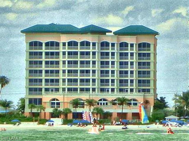 190 Estero Blvd #207, Fort Myers Beach, FL 33931 (MLS #216013283) :: The New Home Spot, Inc.