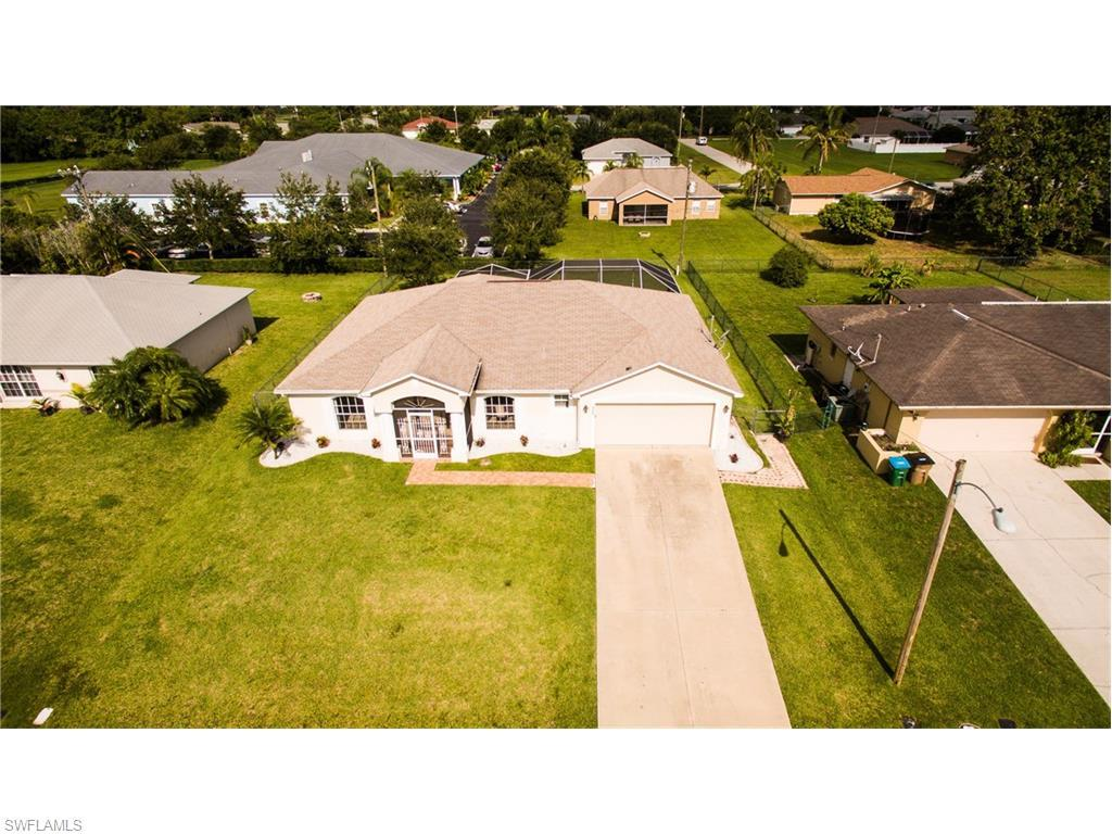 908 SE 5th Pl, Cape Coral, FL 33990 (#216014696) :: Homes and Land Brokers, Inc