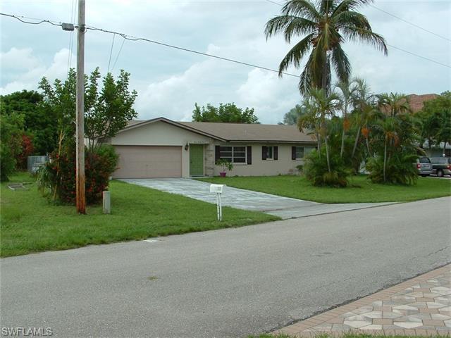 1629 Edith Esplanade, Cape Coral, FL 33904 (MLS #216016255) :: The New Home Spot, Inc.