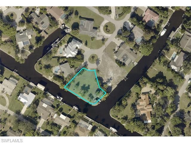 5851 Sunnyside Ln, Fort Myers, FL 33919 (MLS #216016538) :: The New Home Spot, Inc.