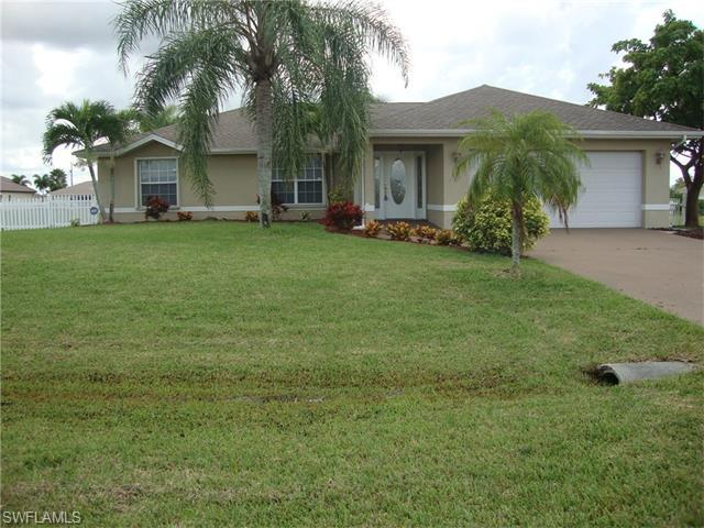 3406 NW 4th St, Cape Coral, FL 33993 (MLS #216017298) :: The New Home Spot, Inc.