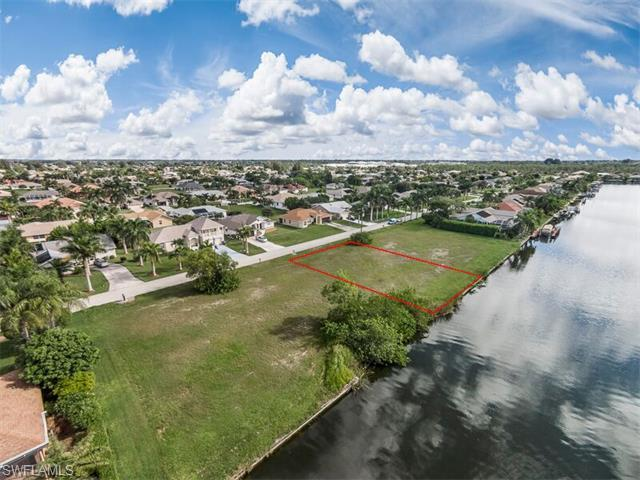2708 SW 37th Ter, Cape Coral, FL 33914 (#216018048) :: Homes and Land Brokers, Inc