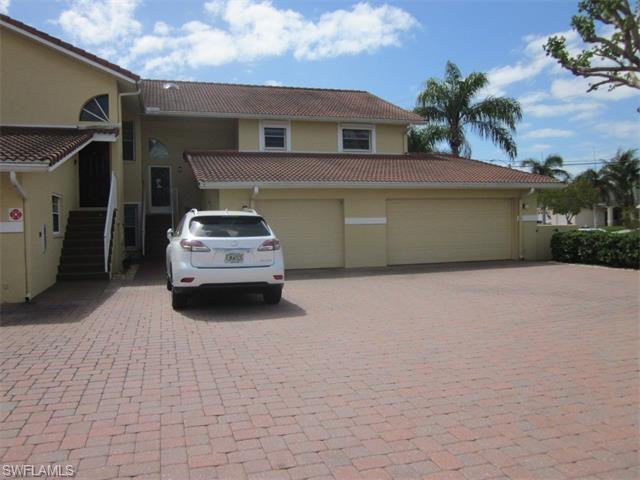 1210 El Dorado Pky W #204, Cape Coral, FL 33914 (MLS #216018739) :: The New Home Spot, Inc.