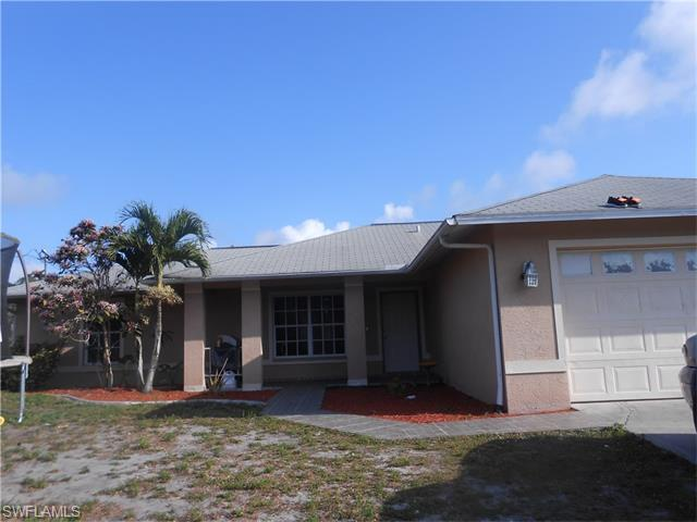681 Chestnut St E, Lehigh Acres, FL 33974 (#216019518) :: Homes and Land Brokers, Inc