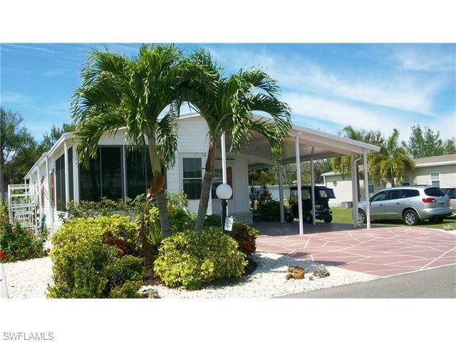 5252 Fiddleleaf Dr, Fort Myers, FL 33905 (MLS #216021244) :: The New Home Spot, Inc.