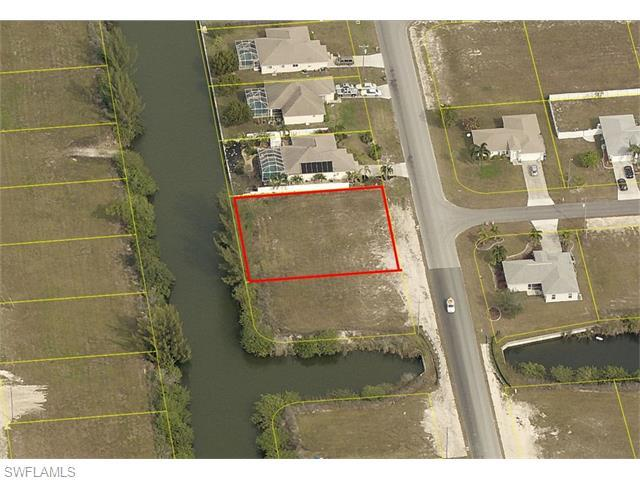 1300 SW 20th Ave, Cape Coral, FL 33991 (MLS #216022099) :: The New Home Spot, Inc.