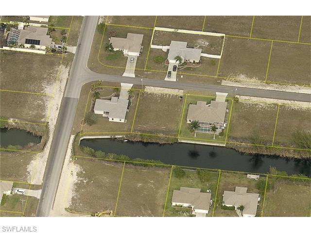 1912 SW 13th St, Cape Coral, FL 33991 (#216022120) :: Homes and Land Brokers, Inc