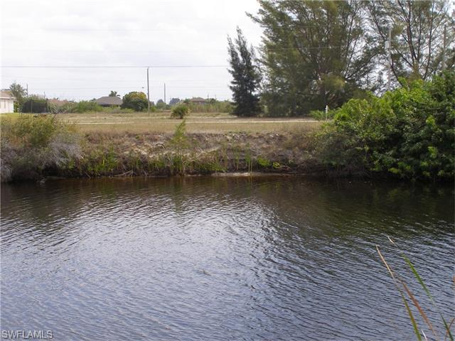 714 NW 38th Pl, Cape Coral, FL 33993 (MLS #216023063) :: The New Home Spot, Inc.