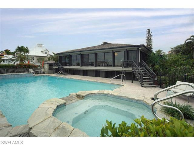 511 Carlos Cir, Fort Myers Beach, FL 33931 (#216023670) :: Homes and Land Brokers, Inc