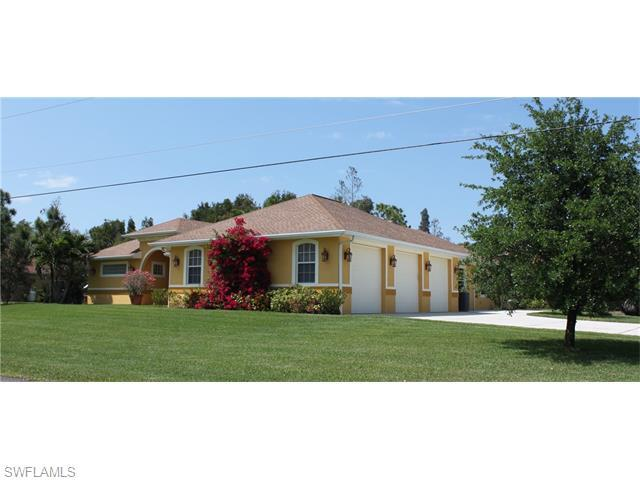 10690 Fountain Ave, Fort Myers, FL 33966 (MLS #216024444) :: The New Home Spot, Inc.